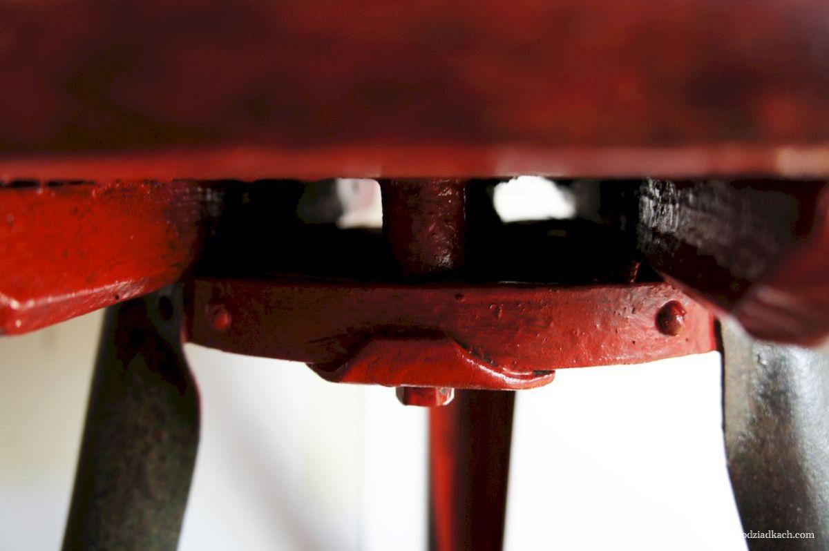 Stolik w stylu loft