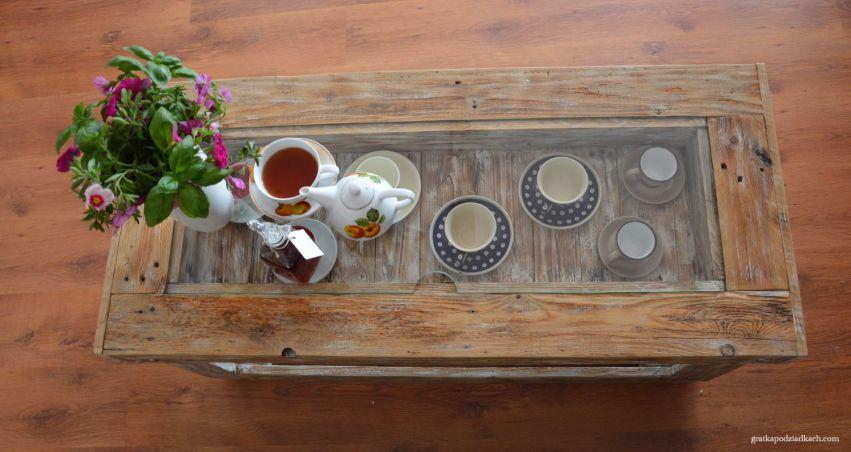 stolik z europalet